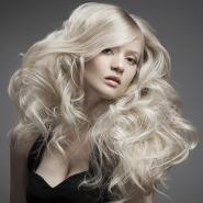 Dicas para manter os cabelos platinados no verão